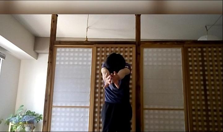 肩甲骨の運動1